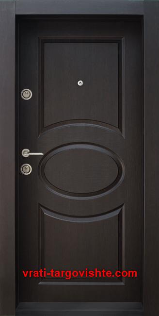 Блиндирана входна врата, модел BG 001, цвят Венге